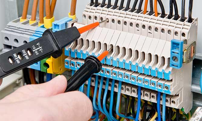 FDL Services | Avec FDL Services, bénéficiez d'une entreprise qualifiée en électricité générale dans le 28 et le 78